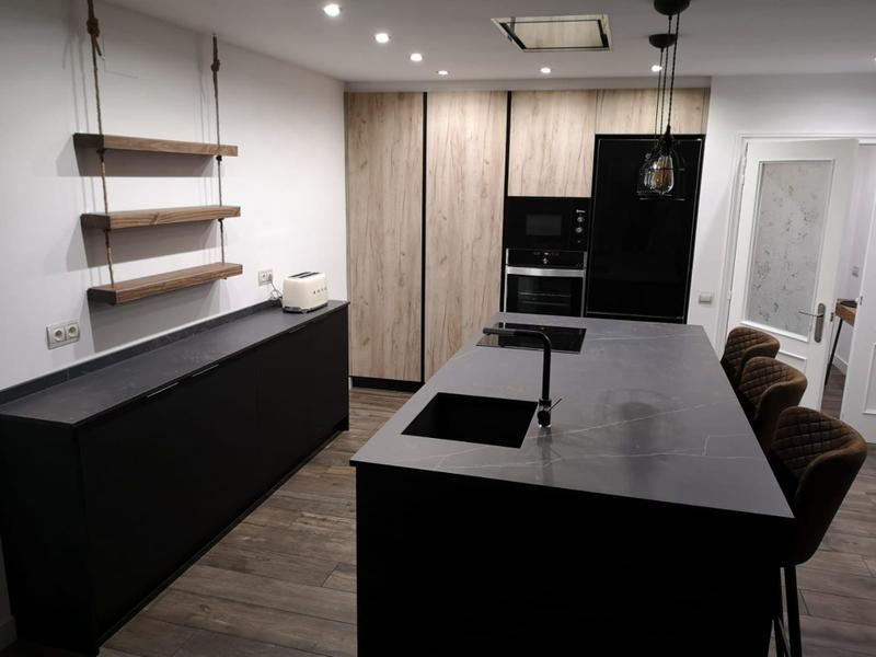 Group 2 Natural Tiles Kelya Suggested Size 42x56, Smooth-Matte, Black, Porcelain, Tile