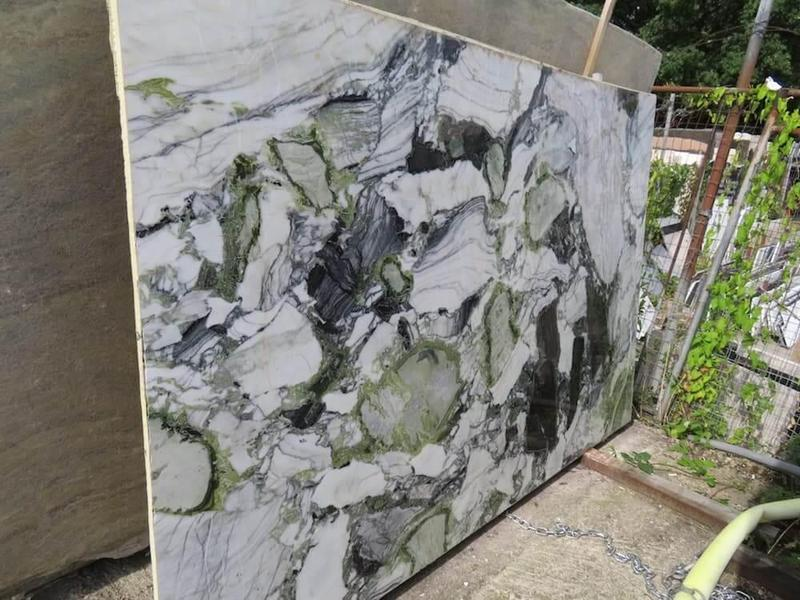 Marble White Beauty 57x120 0.75 in   Slab
