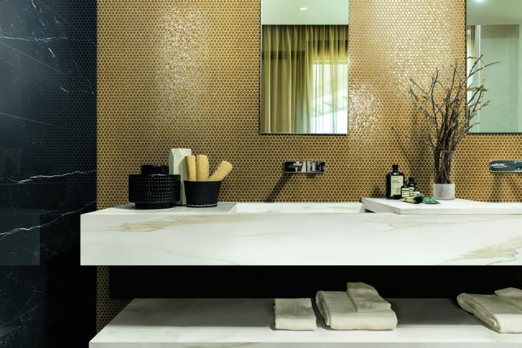 Classici Calacatta Gold Matte 32x32 Porcelain  Tile